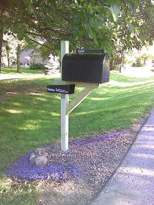 Our beautiful new mailbox, at last!
